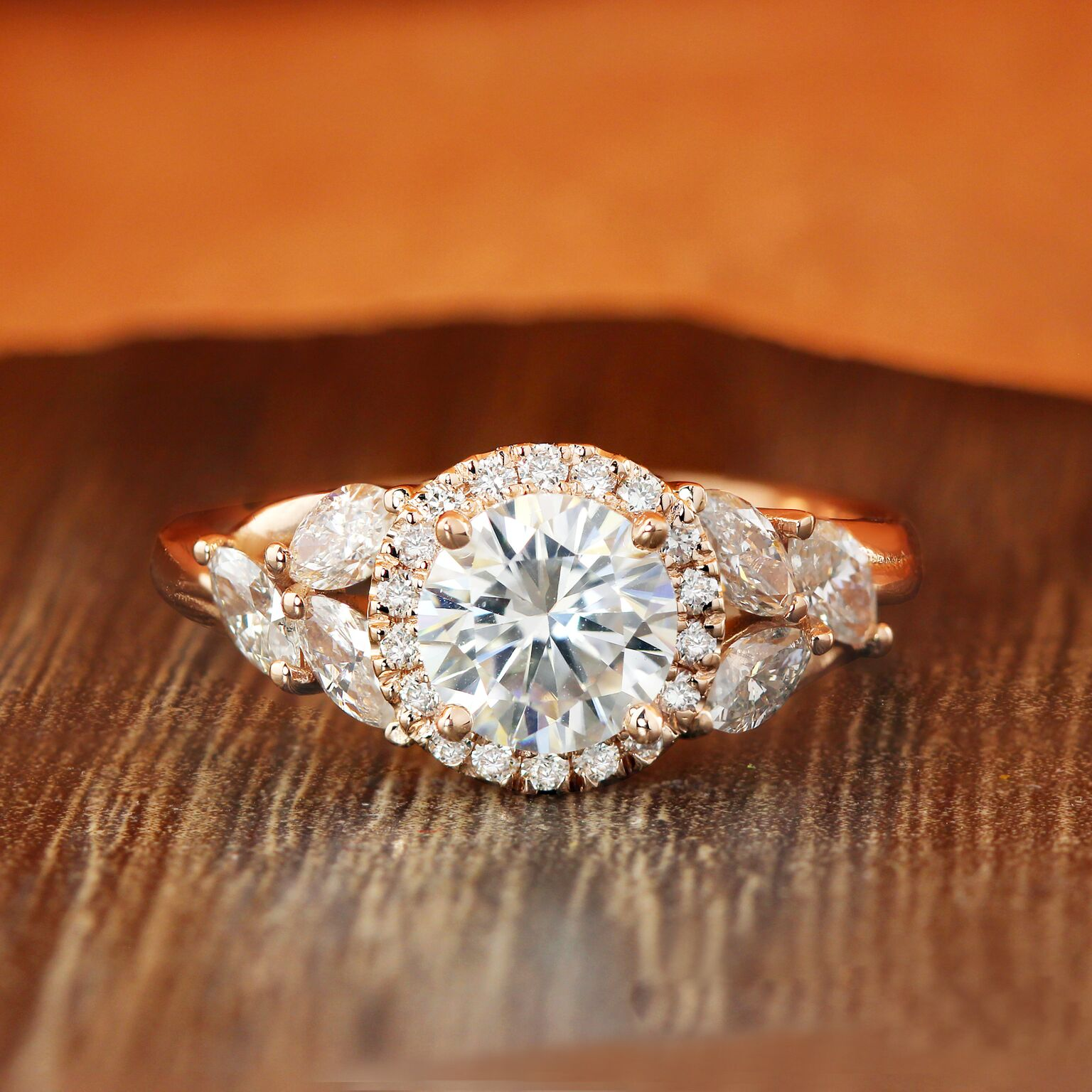 8 Amazing Facts About Moissanite