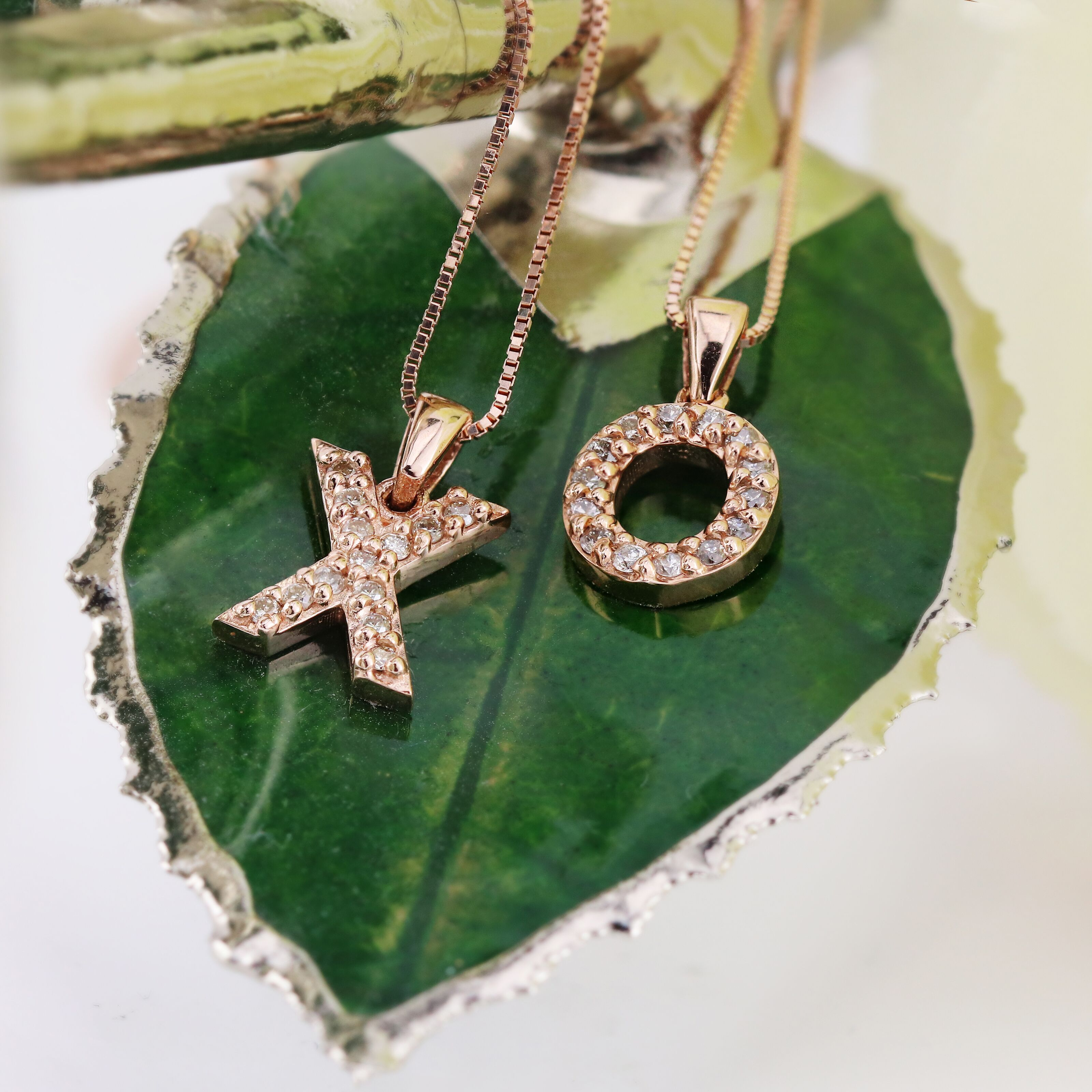 Top Jewelry Gifts: Ideas for the 10th Wedding Anniversary