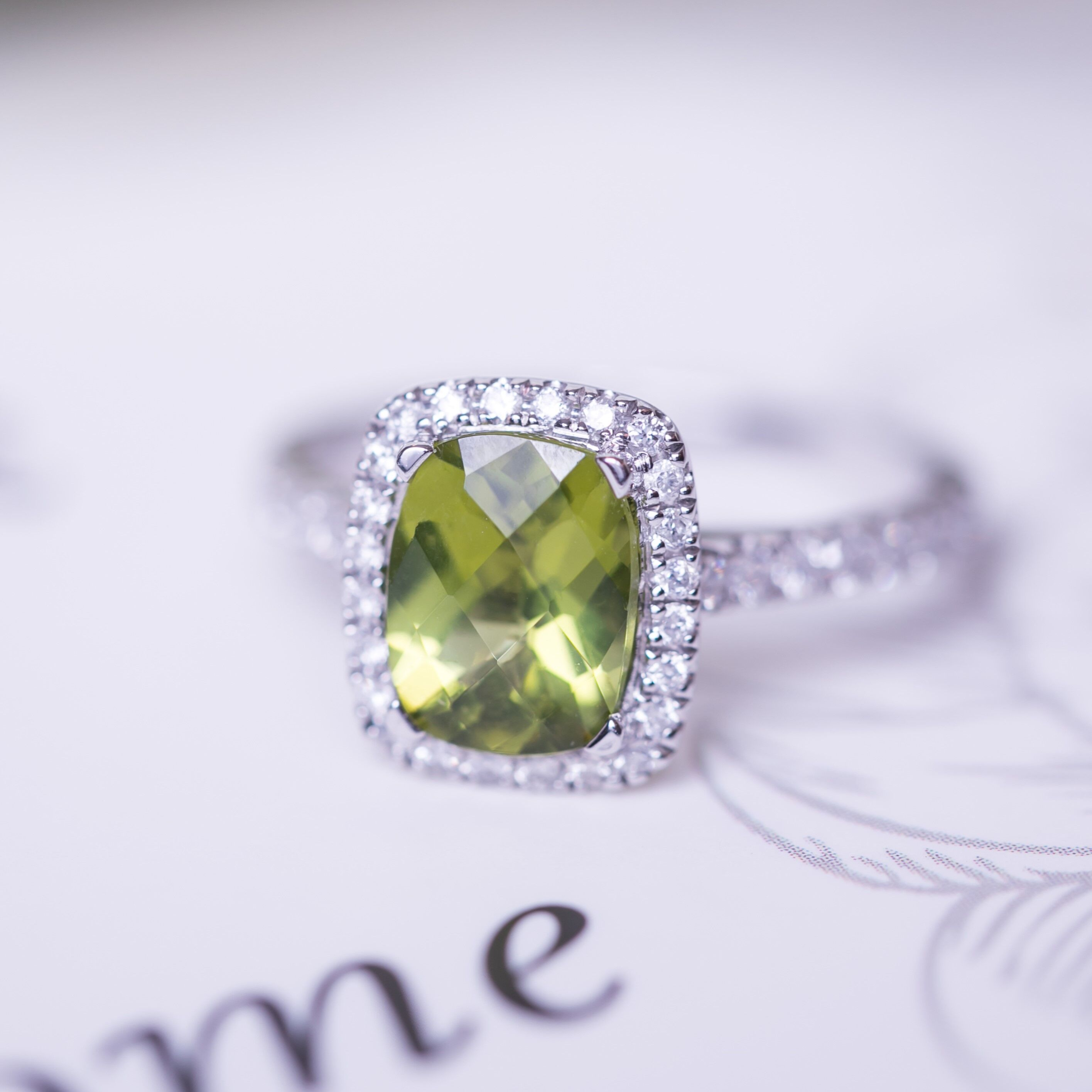 Celebrate August's Birthstone – The Meaningful Peridot
