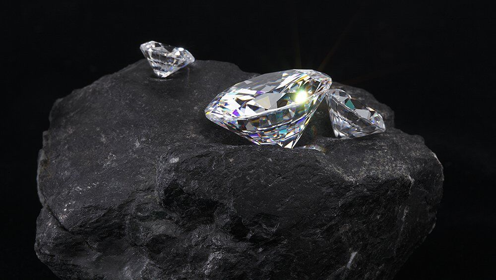 Can You Tell the Difference in Lab Grown Diamonds?