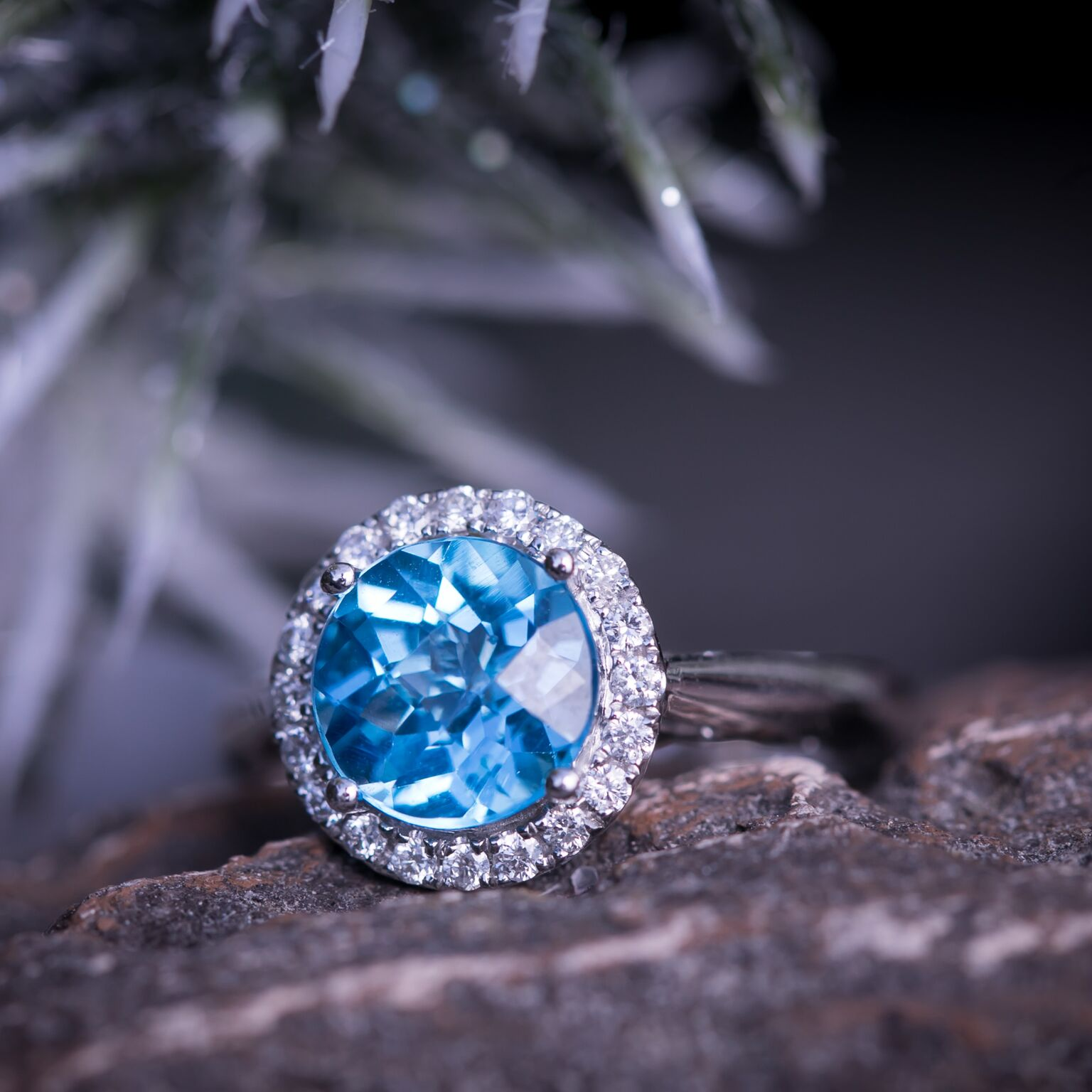 Blue Topaz Engagement Rings: Why They Are Trending This Holiday