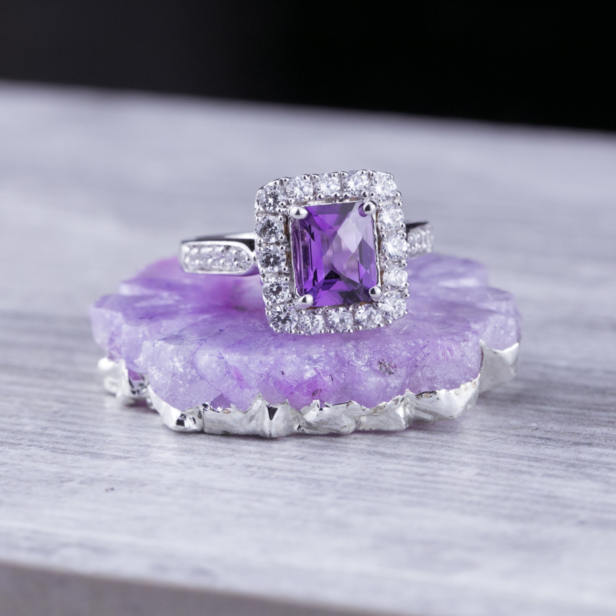 February's Birthstone – The Alluring Amethyst Gemstone