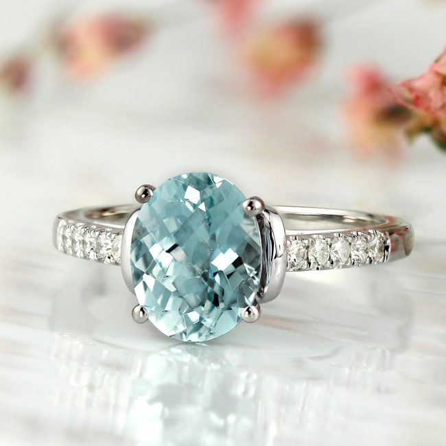 March's Beautiful Gemstone: Aquamarine Facts
