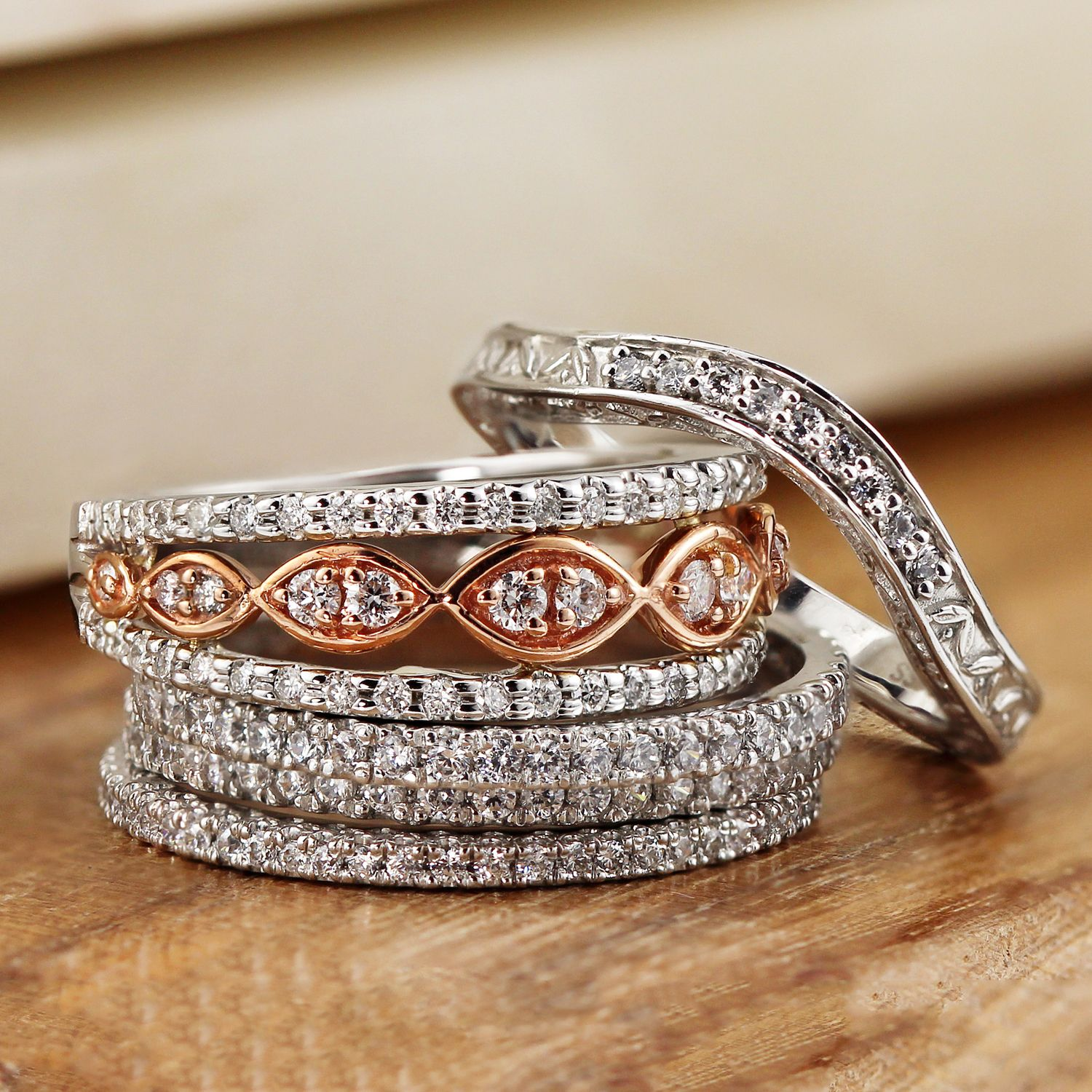 How to Select a Unique Promise Ring