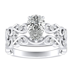 DAISY Natures Curved Diamond Wedding Ring Set In 14K White Gold With 3.00ct. Pear Diamond